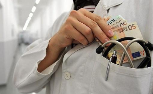 korupcija-zdravstvo-doktor