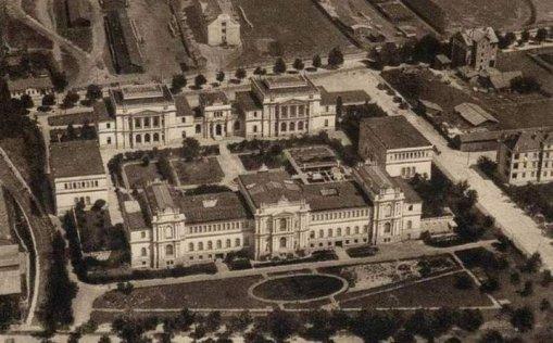 Prva fotografija Zmealjskog muzeja nakon gradnje