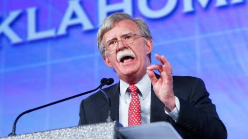 Bolton je ocijenio kako rezolucija može dovesti do toga da EU izgubi zaštitu NATO-a, AP