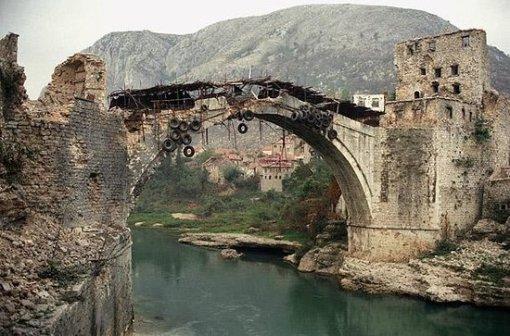 Stari most uništen 1993.