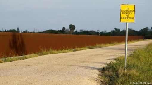 Na nekim dijelovima granice između SAD-a i Meksika već postoji ograda visoka pet metara