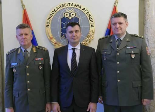 Brigadni general Slavoljub Dabić, ministar odbrane Zoran Đorđević i pukovnik Zoran Stojković, Foto: Ministarstvo odbrane